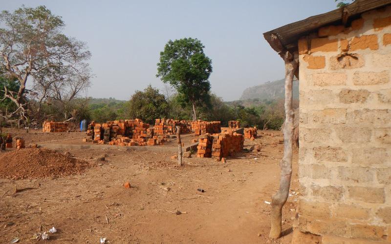 Schulbau in Hamdakonkoure im Februar 2014