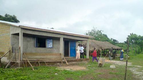 Die fertige Schule - Bild vom Juni 2010 in Hafia